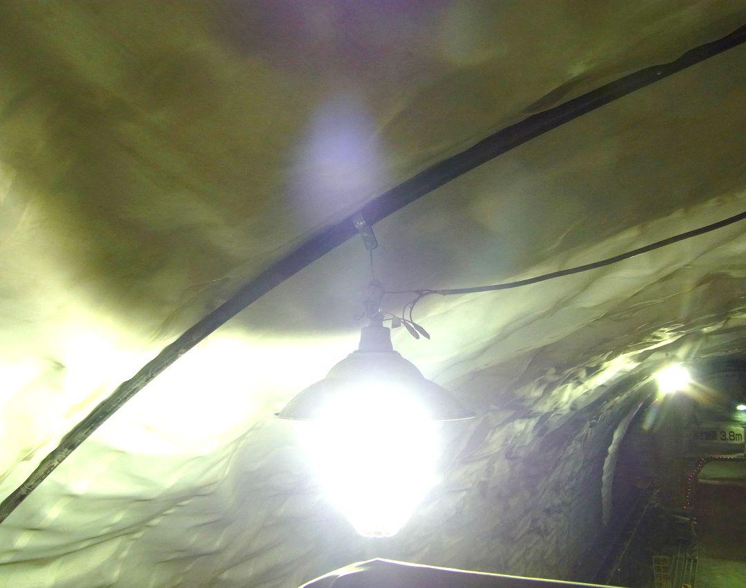 非貫通型防水シート用吊り具『FRP管』